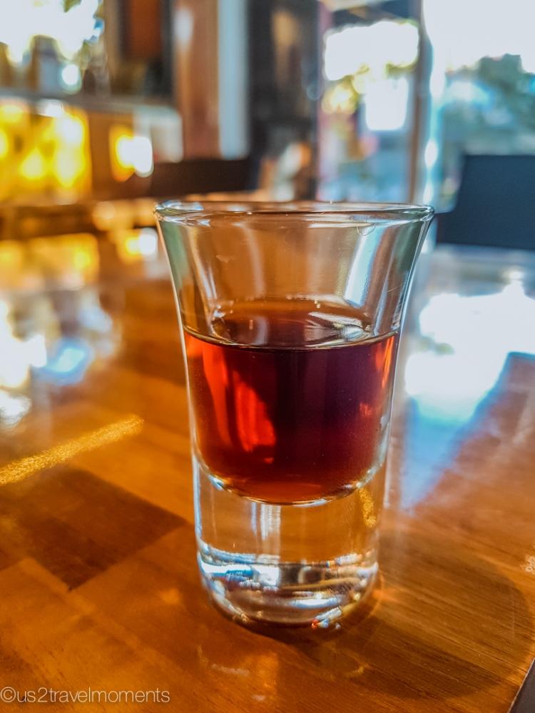 Goffee-coffee ice drip shot